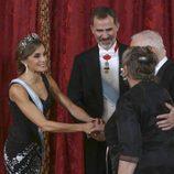 Los Reyes Felipe y Letizia saludan al presidente de Israel y su esposa en el Palacio Real