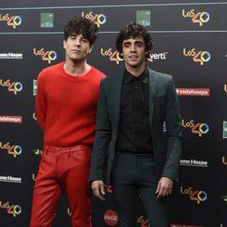 Javi Calvo y Javier Ambrossi en la alfombra roja de los 40 Principales Music Awards 2017