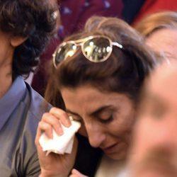 Paz Padilla llorando en el funeral de Chiquito de la Calzada