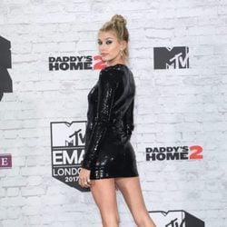 Hailey Baldwin en los MTV EMA 2017