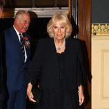 El Príncipe Carlos y Camilla Parker en el concierto por el Día del Recuerdo 2017