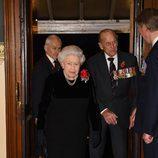 La Reina Isabel y el Duque de Edimburgo en el concierto por el Día del Recuerdo 2017