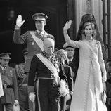 Los Reyes Juan Carlos y Sofía en el día de la proclamación de Juan Carlos I como Rey de España