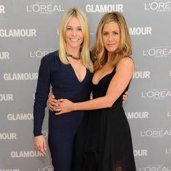 Jennifer Aniston y Chelsea Handler en los premios Glamour de Nueva York