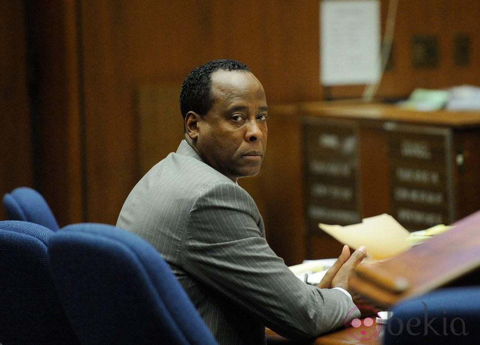 El doctor Conrad Murray durante el juicio por la muerte de Michael Jackson