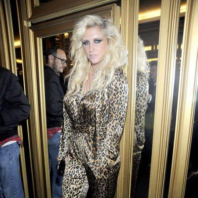 Ke$ha en la gala de Versace para H&M