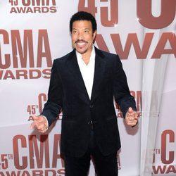 Lionel Richie en los CMA Awards 2011