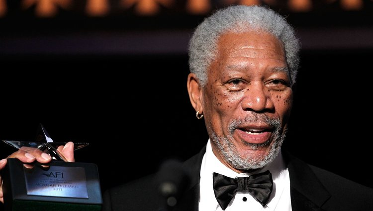 Morgan Freeman recibe un galardón por toda su carrera