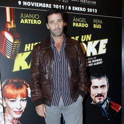 Juan Pablo Shuk en el estreno de 'Karaoke'