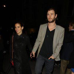 Elsa Pataky y Chris Hemsworth salen a cenar en Londres