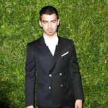 Joe Jonas en la gala Vogue Fashion en Nueva York
