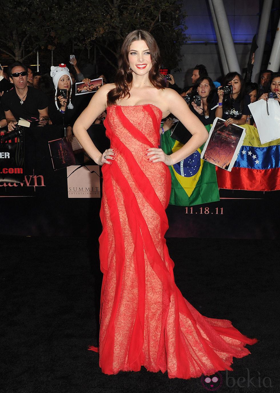 Ashley Greene en el estreno de 'Amanecer. Parte 1' en Los Ángeles