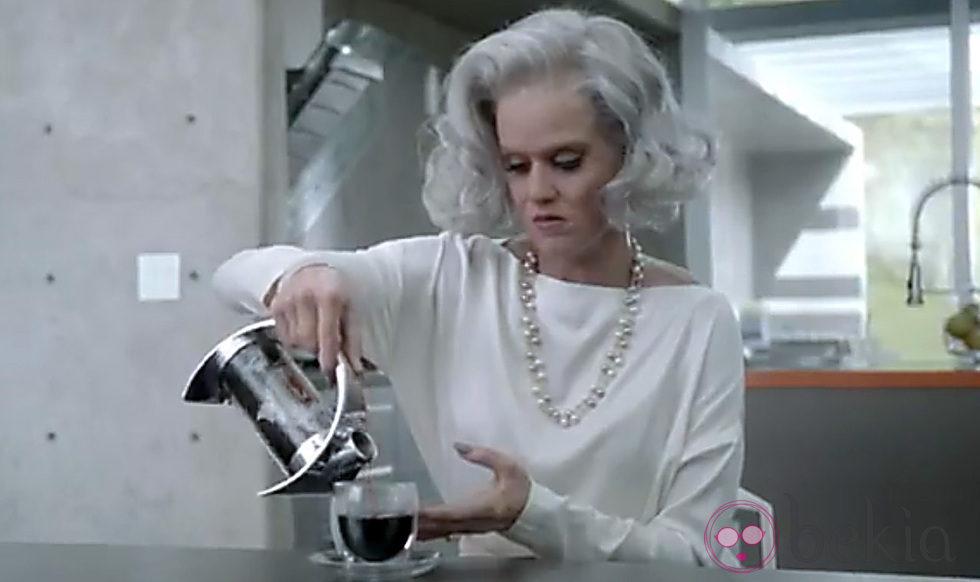 Katy Perry en el videocliop de 'The One That Got Away'