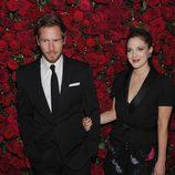 Drew Barrymore y Will Kopelman en el homenaje a Pedro Almodóvar en el MoMA