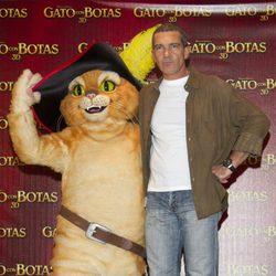Antonio Banderas presenta 'El gato con botas' en México