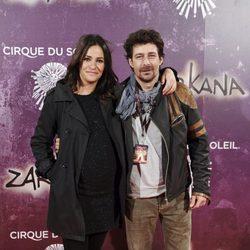 Melani Olivares y Roberto Drago en el estreno de Zarkana