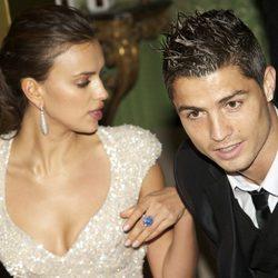 Irina Shayk y Cristiano Ronaldo en una entrega de premios 4df85cf48f28f