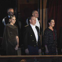Alberto, Charlene y Carolina de Mónaco y Andrea y Pierre Casiraghi en el Día Nacional de Mónaco