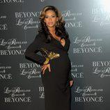 Beyoncé presume de embarazo durante la presentación de un DVD