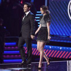 Ana de Armas y Edgar Ramírez en la gala de los Grammy Latinos 2017