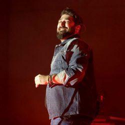 Antonio Orozco, sonriente durante un concierto en el Casino de Madrid