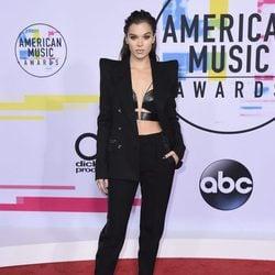Hailee Steinfeld en los American Music Awards 2017