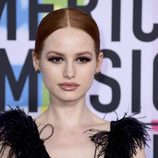 Madelaine Petsch en los American Music Awards 2017
