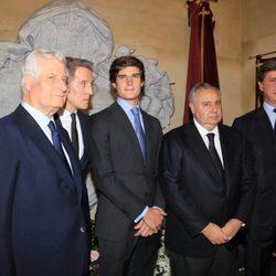Hijos, marido y nieto en el funeral por el tercer aniversario de la muerte de la Duquesa de Alba