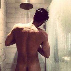 Jon Kortajarena y su sensual desnudo en la ducha