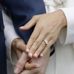 El anillo de compromiso que el Príncipe Harry ha entregado a Meghan Markle