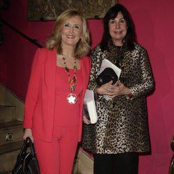 Carmen Martínez Bordiú con Nieves Herrero en la presentación del libro sobre Carmen Franco