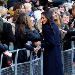 Meghan Markle, en su primer acto público tras el compromiso con Harry de Inglaterra