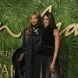 Naomi Campbell y su madre en los British Fashion Awards 2017