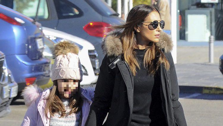 Paula Echevarría se lleva a su hija Daniella de compras
