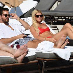 Scott Disick y Sofía Richie disfrutan de la playa de Miami