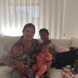 Dolores Aveiro con tres de los cuatro hijos de Cristiano Ronaldo