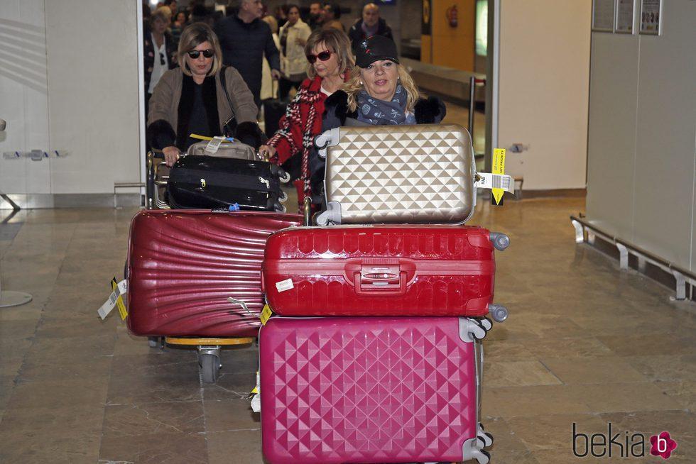 Carmen Borrego, Terelu y María Teresa Campos volviendo de su viaje a Nueva York