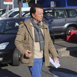 José Ortega Cano va a un centro comercial