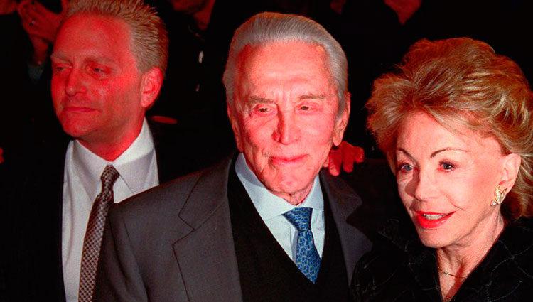 Eric Douglas y sus padres, Kirk Douglas y Anne Buyens
