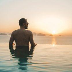 Risto Mejide bañandose en Tailandia
