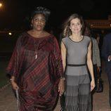 La Reina Letizia y la Primera Dama de Senegal en Dakar