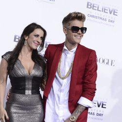 Justin Bieber junto a su madre Pattie Mallette