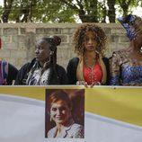 Mujeres senegalesas esperan a la Reina Letizia en la Universidad de Ziguinchor