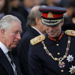 El Príncipe Carlos y Enrique de Luxemburgo en el funeral de Miguel de Rumanía