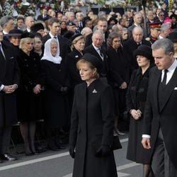 La Familia Real Rumana ante la realeza europea en el funeral de Miguel de Rumanía