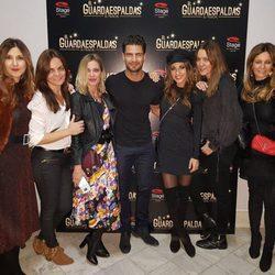 Paula Echevarría y las Pencas viendo a Maxi Iglesias en 'El Guardaespaldas'