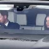 El Príncipe Harry y Meghan Markle en el almuerzo de Navidad 2017 en Buckingham Palace