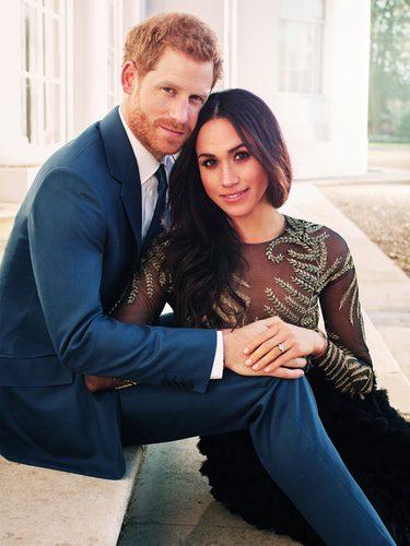 El Príncipe Harry y Meghan Markle en la foto oficial de su compromiso