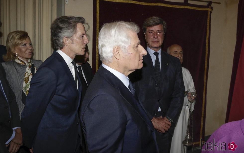 Alfonso Díez, el Duque de Alba y Cayetano Martínez de Irujo en el funeral de la Condesa de Romanones