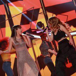 Aitana y Natalia en la Gala de Navidad de 'OT 2017'